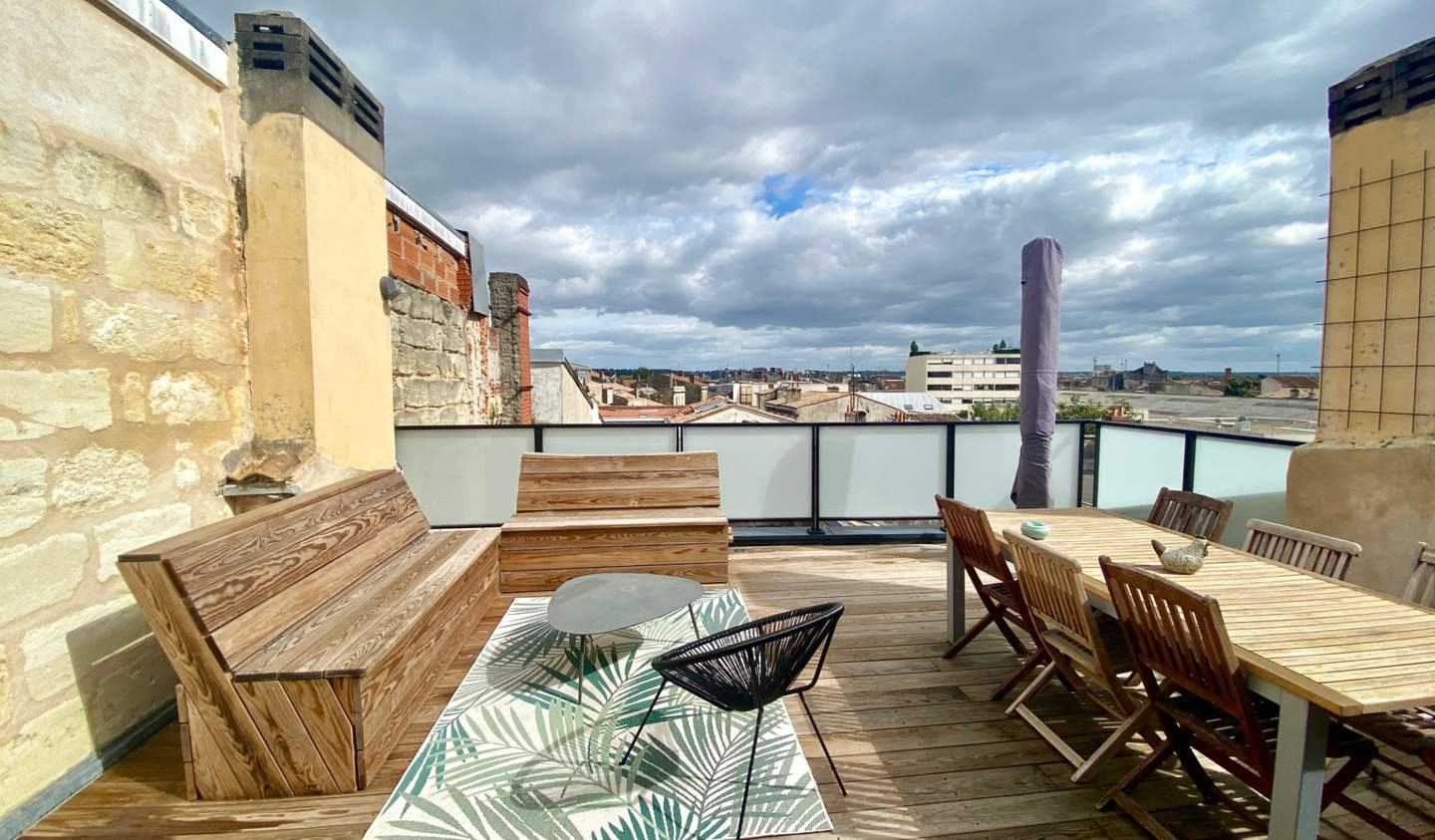 Apartment with terrace Bordeaux