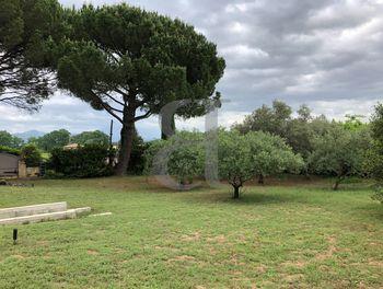 terrain à Sarrians (84)
