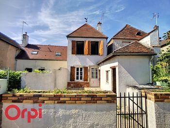 maison à Bessais-le-Fromental (18)