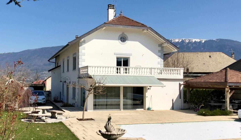 Propriété avec piscine et jardin Héry-sur-Alby