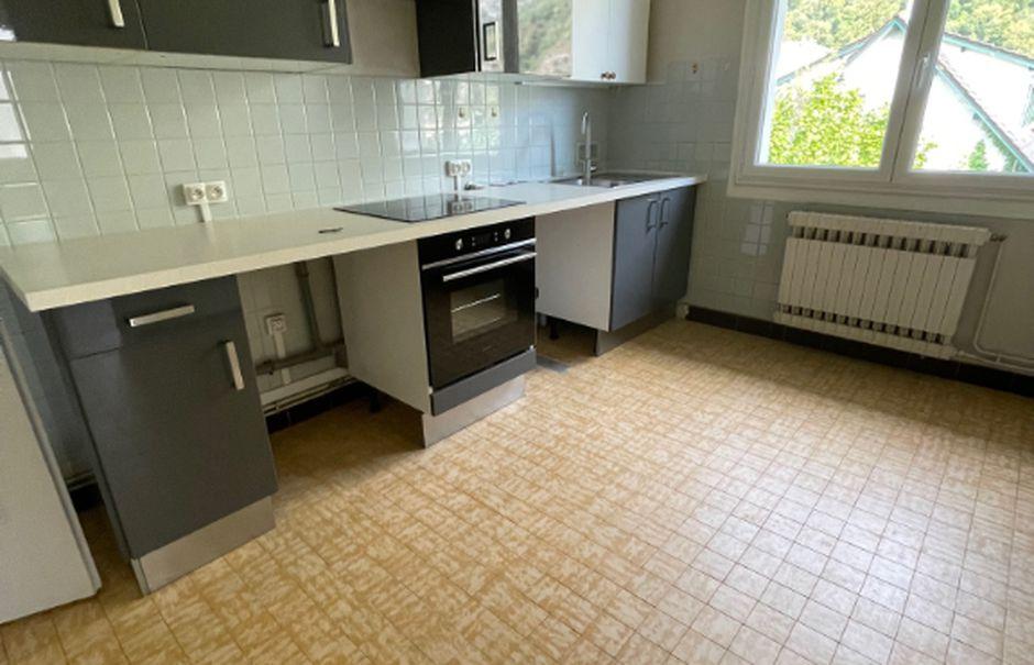 Location  appartement 5 pièces 90 m² à Saint-egreve (38120), 985 €