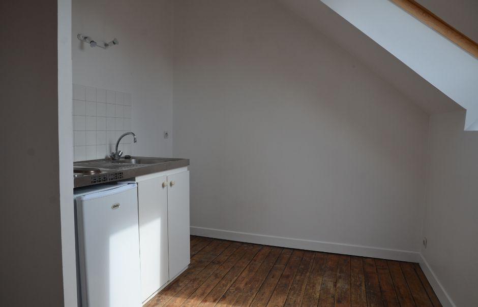 Location  appartement 2 pièces 37 m² à Mortagne-au-Perche (61400), 336 €
