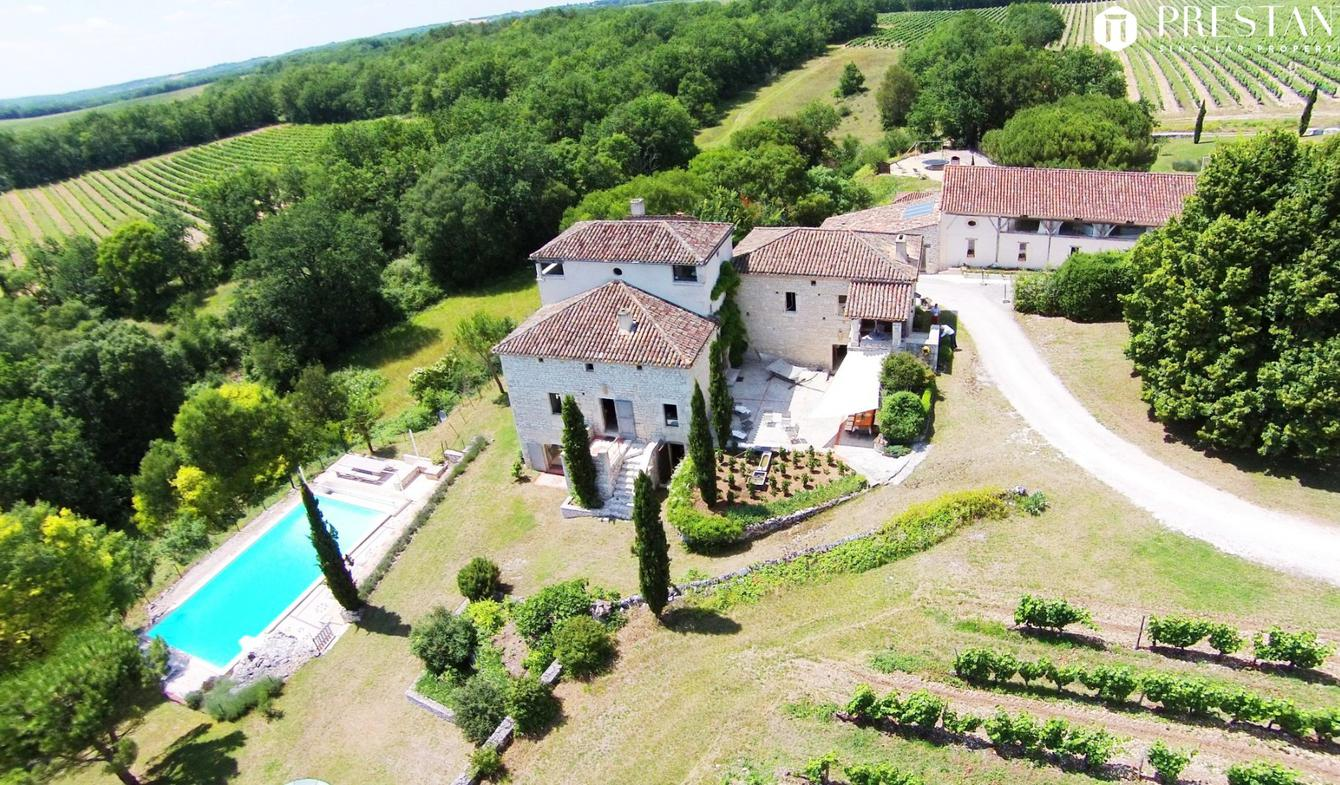 Property with pool Frayssinet-le-Gélat