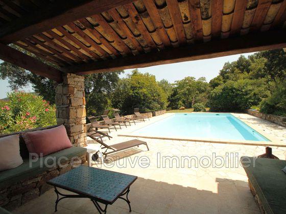 Vente propriété 8 pièces 245 m2
