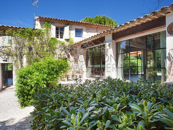 Vente propriété 12 pièces 480 m2