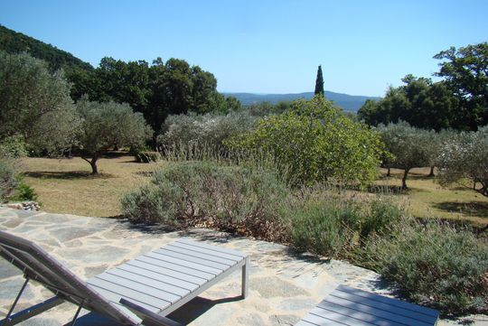 Villa avec piscine et terrasse