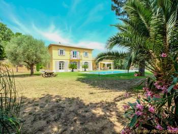 Villa 8 pièces 235 m2