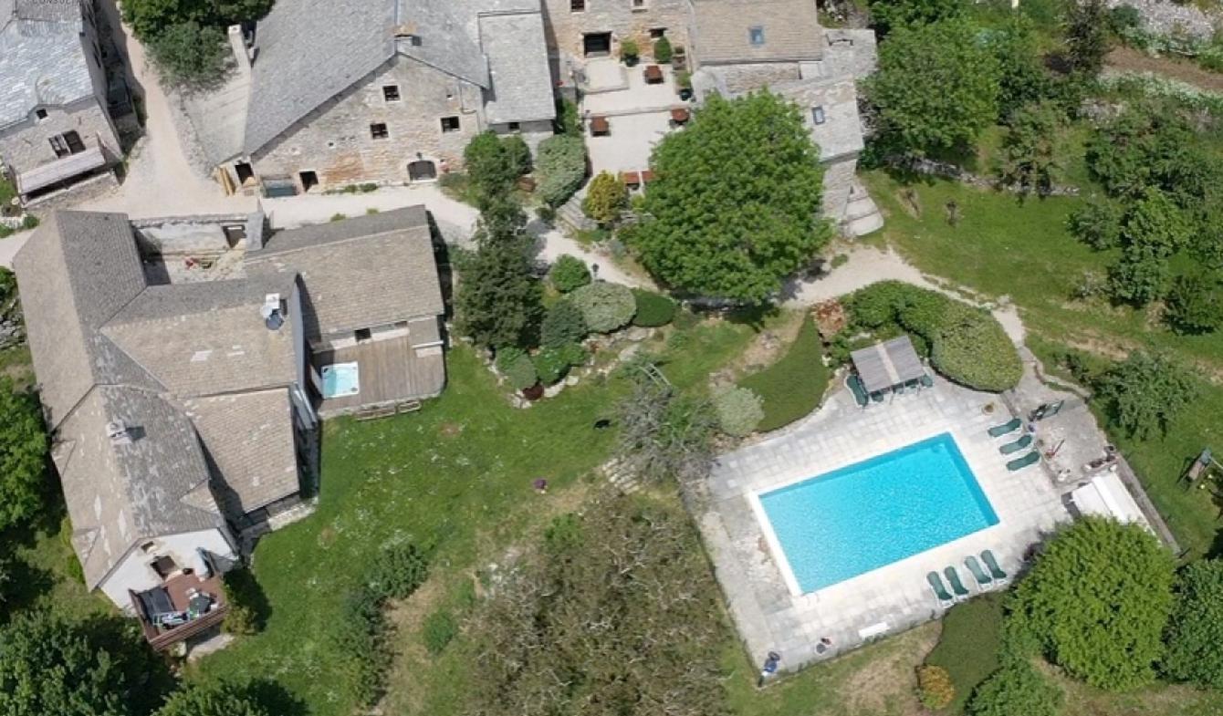 Maison avec piscine La Tieule