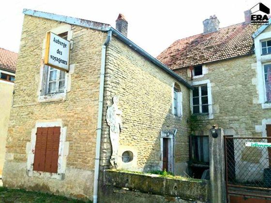 Vente maison 15 pièces 322 m2