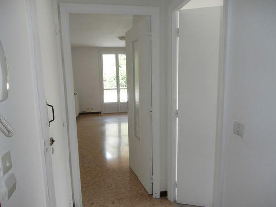 Location studio 23,17 m2