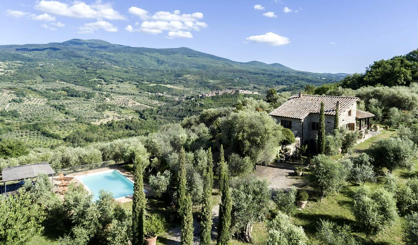 Farm house with garden and pool Seggiano