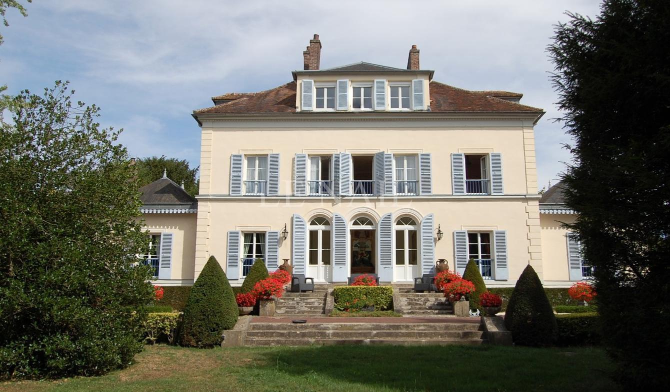 House Rozay-en-Brie
