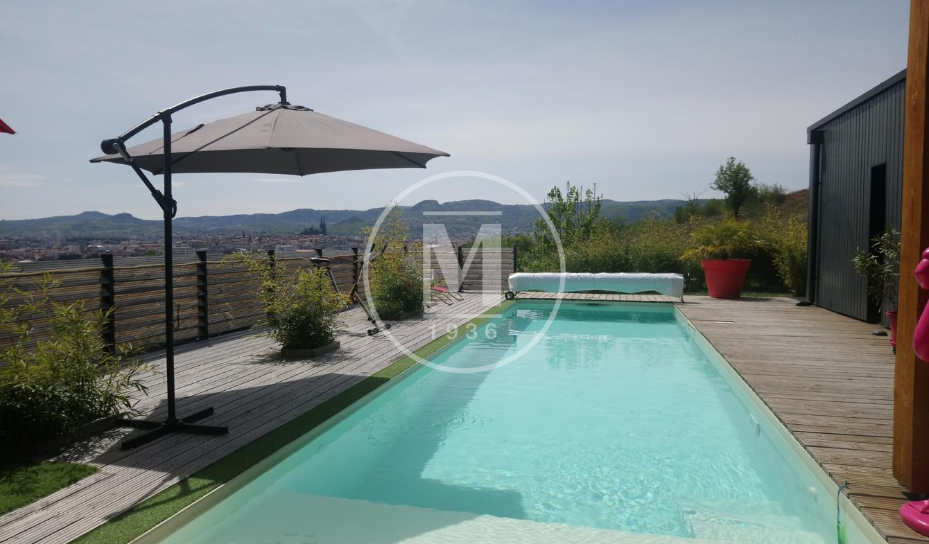 House with pool and terrace Clermont-Ferrand
