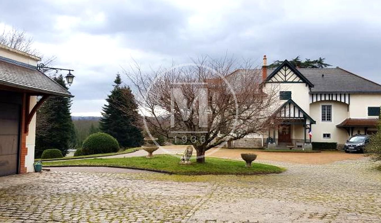 House Néronde-sur-Dore