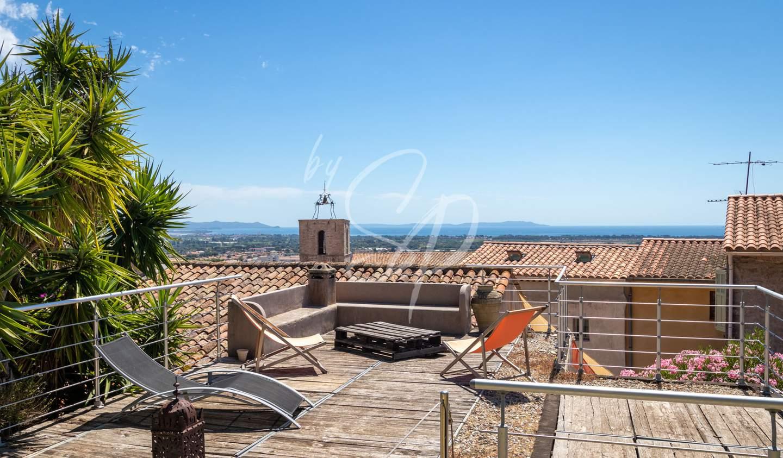 Villa avec piscine en bord de mer Hyeres