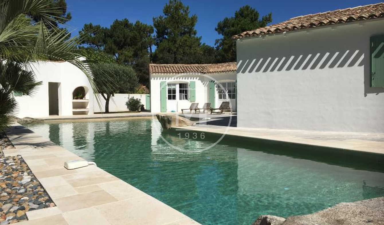 House with pool and terrace Sainte-Marie-de-Ré