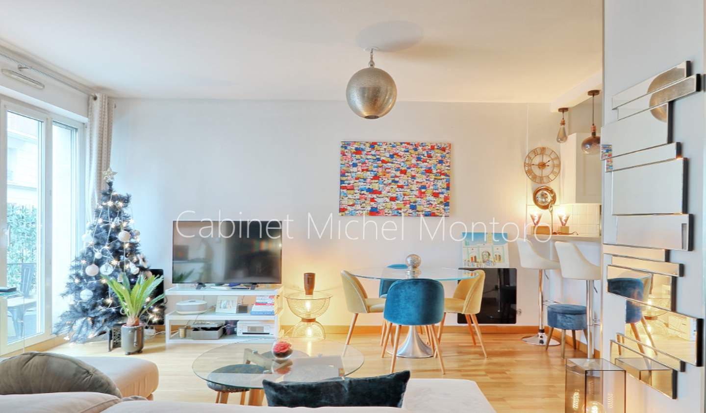 Apartment with terrace Poissy