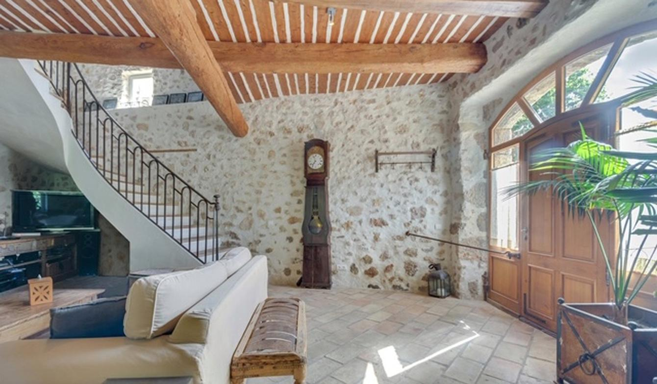Maison avec piscine et terrasse Rebouillon