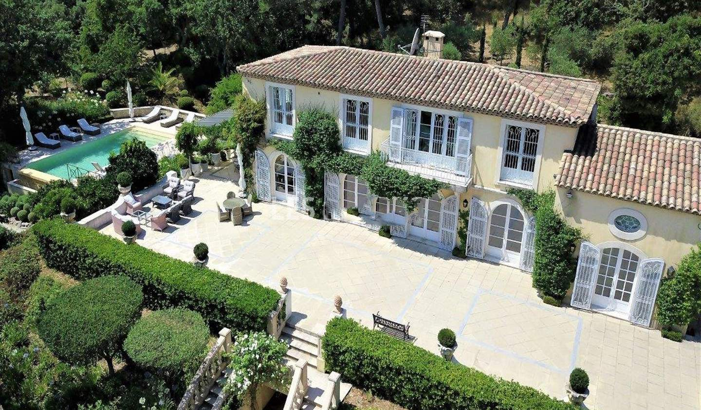 Villa with pool and garden Gassin