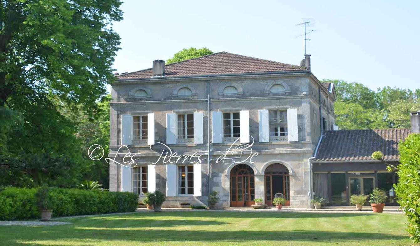 Maison avec piscine et jardin Aiguillon