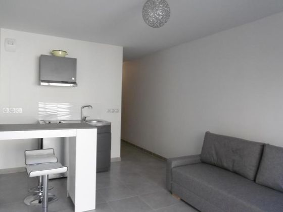 Location studio meublé 24,9 m2