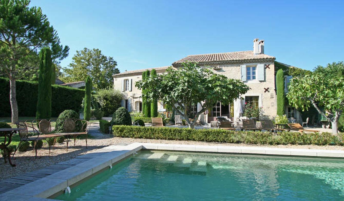 Maison avec piscine et jardin Paradou