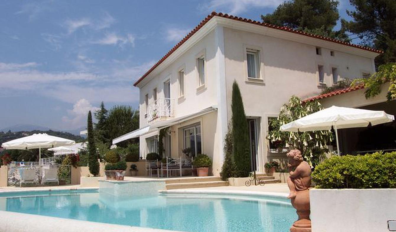 Apartment with pool Vence