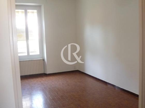 Location appartement 3 pièces 79,3 m2
