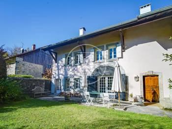 Maison 10 pièces 348 m2