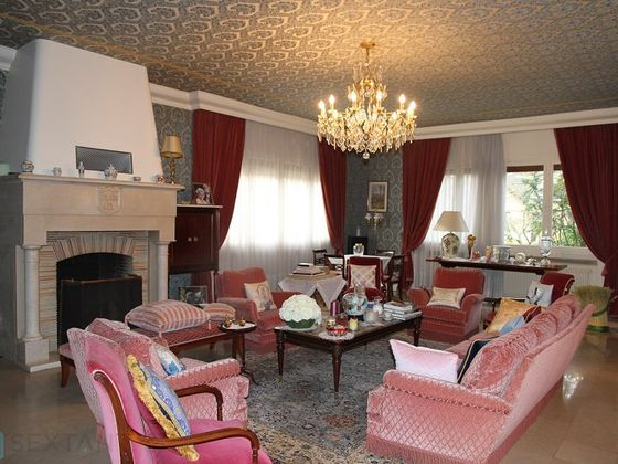 Vente propriété 19 pièces 700 m2