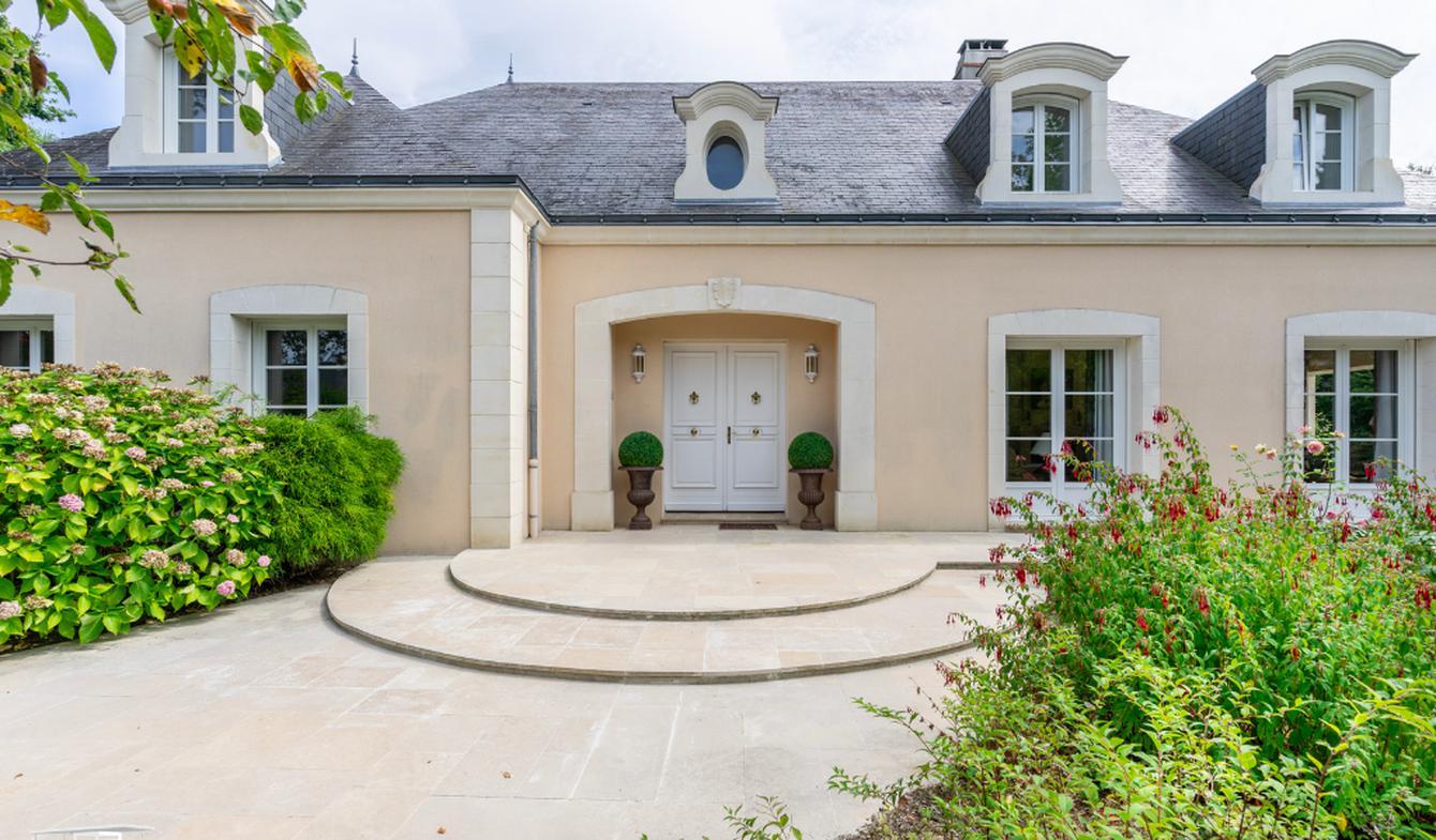 House with terrace Sautron