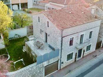 Maison 7 pièces 211 m2