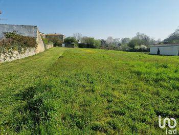 terrain à Celles-sur-Belle (79)