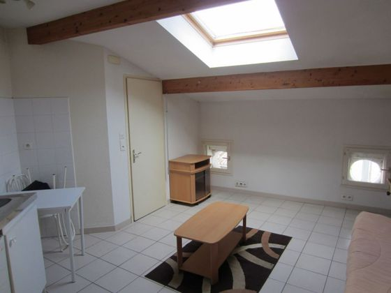 Location studio 23,36 m2