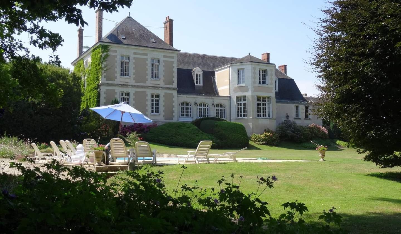 Propriété avec piscine et jardin Tours