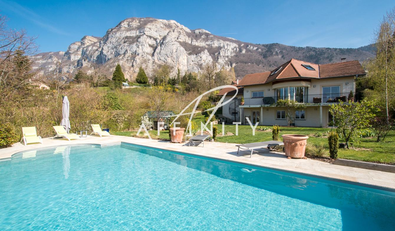 Contemporary house with pool and garden Collonges-sous-Salève