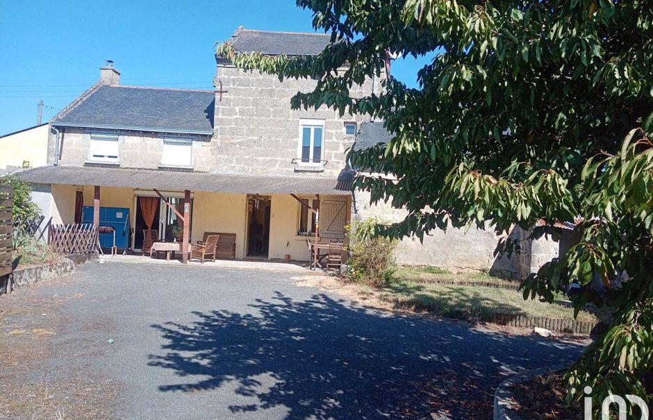 Vente maison 4 pièces 115 m² à Doué-la-Fontaine (49700), 188 500 €