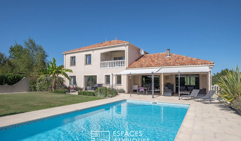 House with pool La Caillère-Saint-Hilaire