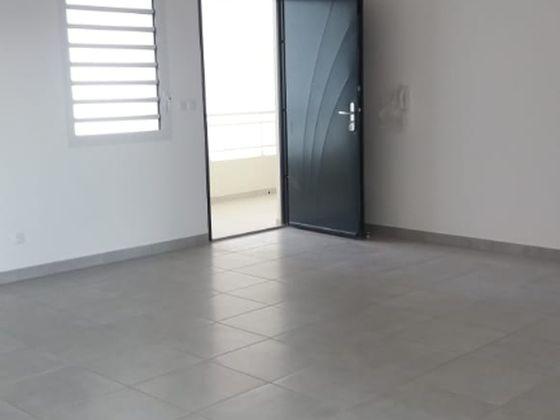 Location appartement 3 pièces 66,72 m2