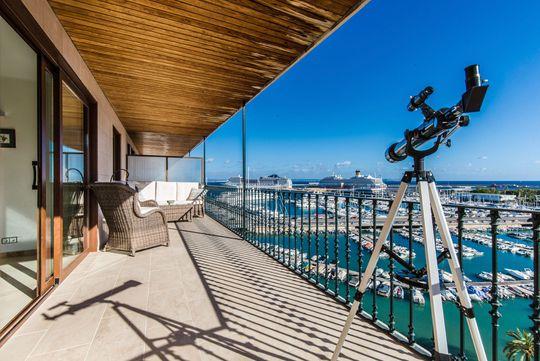 Appartement avec terrasse en bord de mer