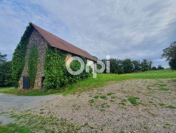 maison à Saint-Mexant (19)