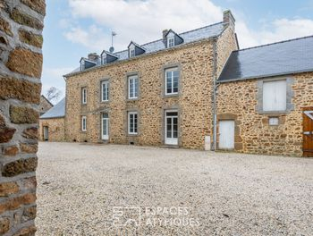 maison à Saint-Cyr-le-Gravelais (53)