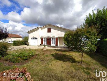 maison à Saint-Saviol (86)
