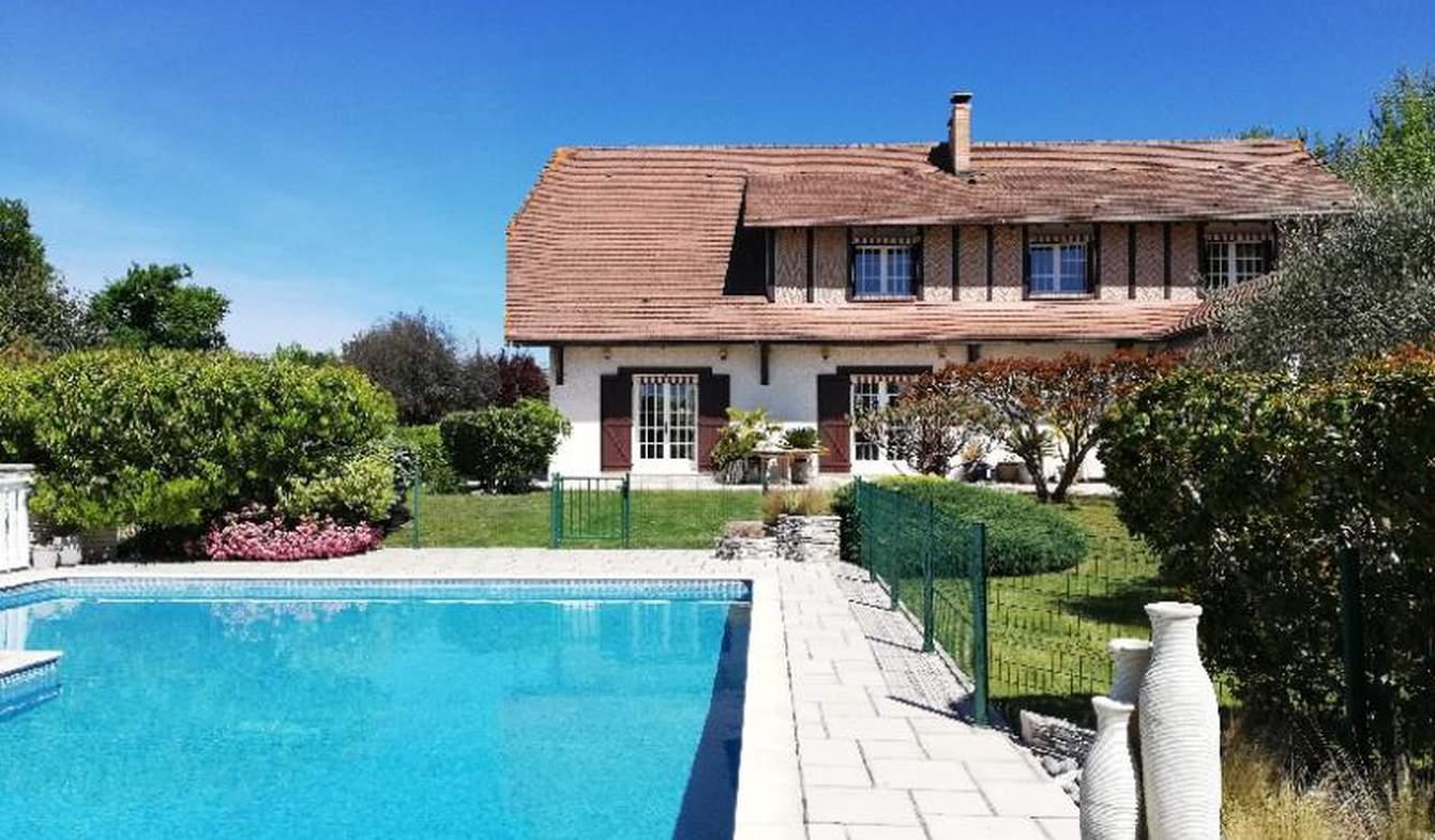 Maison avec piscine et terrasse Hourtin