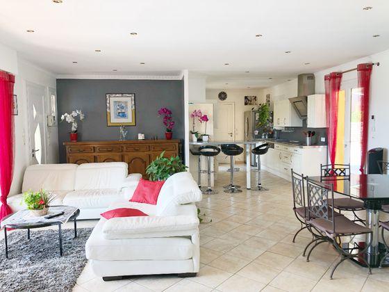 Vente villa 8 pièces 165 m2