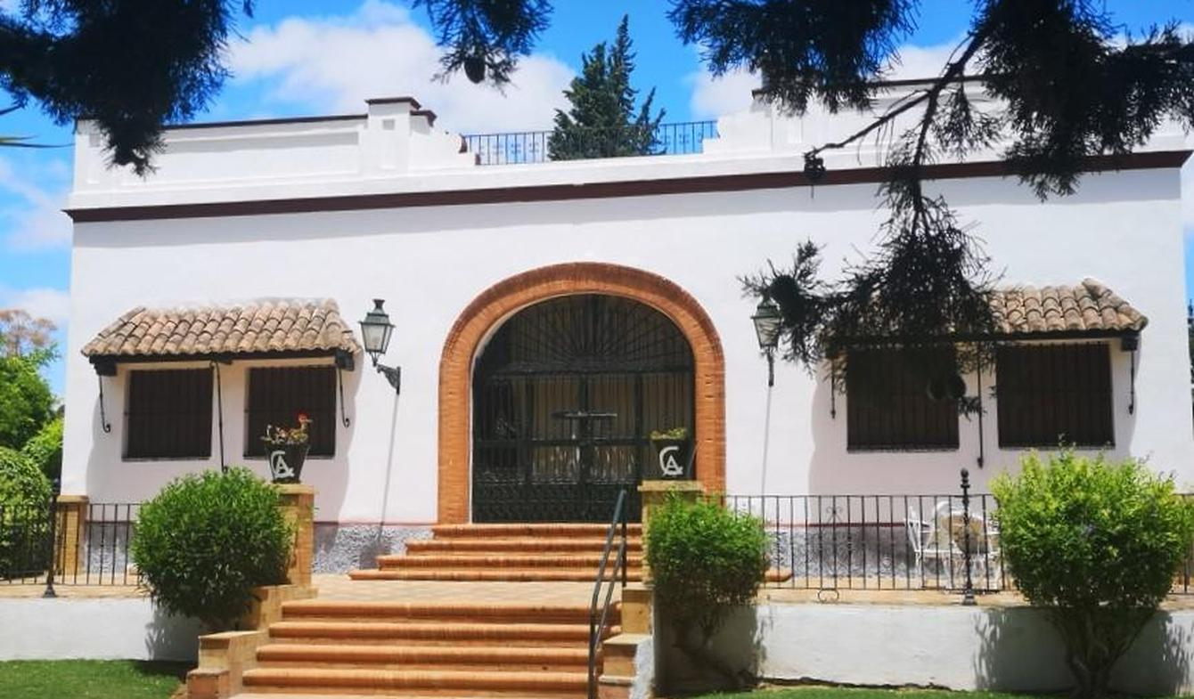 House with pool and garden Villanueva del Ariscal
