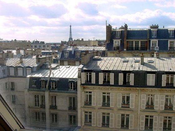 Location studio meublé 27,6 m2 à Paris 1er