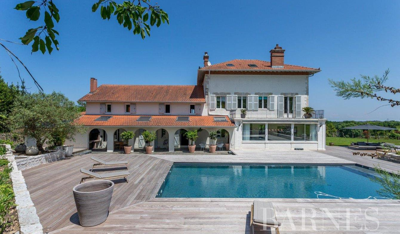 House with pool Biarritz
