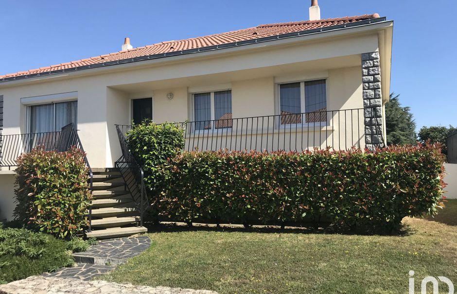 Vente maison 3 pièces 80 m² à Les Herbiers (85500), 193 000 €