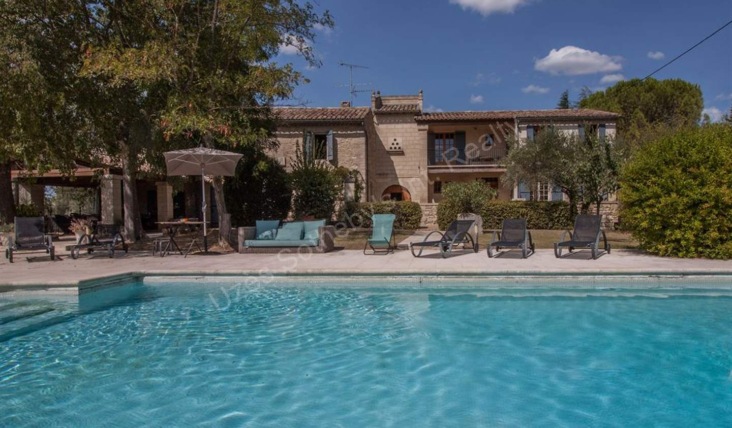House with pool and garden Uzès